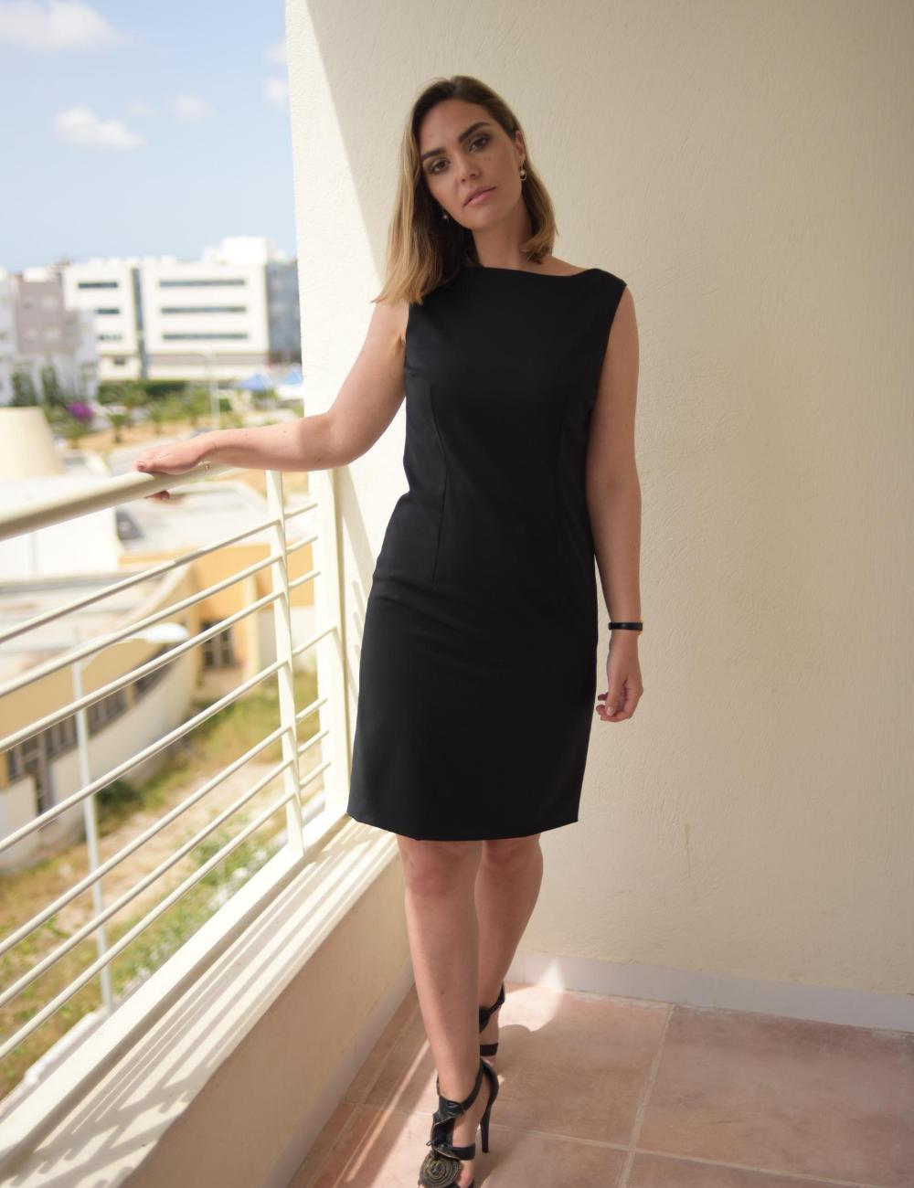 robe cintrée noire