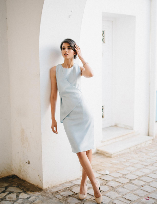 robe cintrée élégante bleue